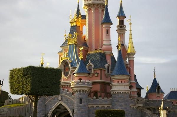 Дисней замок