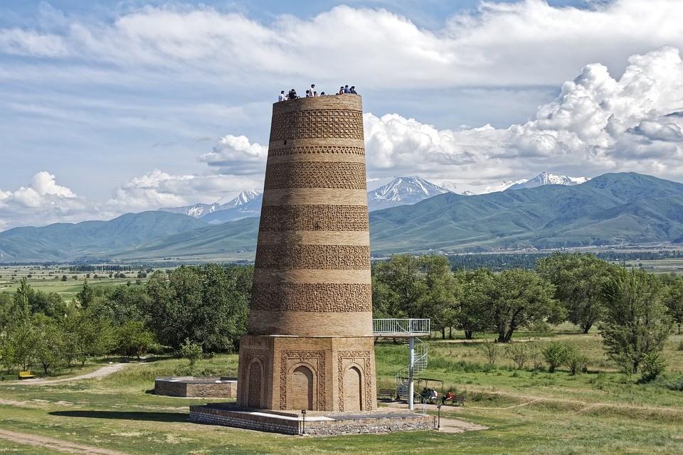 """Архитектурный комплекс """"Башня Бурана"""", Кыргызстан."""